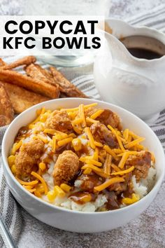 If you love takeout but would rather make it at home then you need to whip up these KFC Bowls. With only 5 ingredients and only minutes to make it's a quick and easy dinner recipe. Easy Chicken Dinner Recipes, Delicious Dinner Recipes, Recipe Chicken, Yummy Recipes, Kfc Bowls Recipe, Jama, Copykat Recipes, Rind, Restaurant Recipes