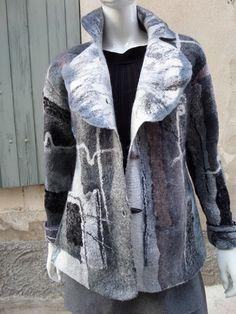 Veste en laine feutrée nuno pièce unique. T 42 /44 : Manteau, Blouson, veste par arlatine