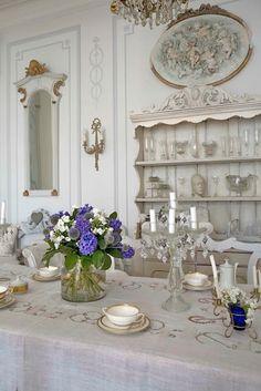 Gustavian country style ▇  #Home #French #Decor via - Christina Khandan  on IrvineHomeBlog - Irvine, California ༺ ℭƘ ༻