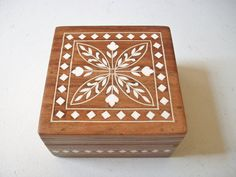 Floral Wood Jewelry Trinket Box, Vintage Inlaid White Flower Hinged Jewelry Box, Square Wooden Storage Box, India