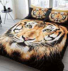 This reversible Tiger Face Single Duvet Cover and Pillowcase Set features a gorgeous photographic image of a beautiful tiger. Free UK delivery available Duvet Cover Sizes, Quilt Cover Sets, Duvet Covers, Black White Bedding, Animal Print Bedding, Animal Bedroom, Velvet Duvet, Single Duvet Cover, Queen Quilt