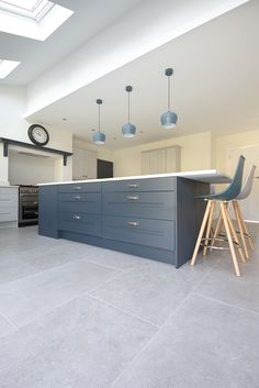 Dove Grey stone effect porcelain tiles, stunning large format grey porcelain floor tiles. Order your FREE sample of Dove Grey stone effect porcelain Grey Kitchen Tiles, Marble Floor Kitchen, Grey Floor Tiles, Grey Kitchens, Grey Flooring, Kitchen Flooring, Kitchen Design, Kitchen Decor, Open Plan Kitchen Living Room