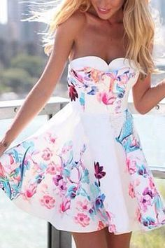 the-fashion-alba:Floral Print Bandeau Ruffle Hem Dress