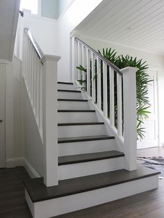 house-int-spec-staircase.jpg 600×800 pixels