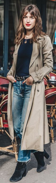 Relaxed basic street style with trech, sweater, denim and booties ||# Street #Style #relaxed
