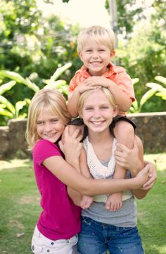 Did you know? Middle children often feel left out and invisible. Learn how to counteract any negativity caused from being a middle child, here!