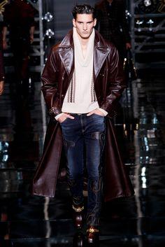 Versace Fall 2014 Menswear Collection Photos - Vogue