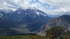 Peña Montañesa (2291 metros), Punta Lierga (2267 metros), Saravillo y la Peña de Sin (1643 metros)