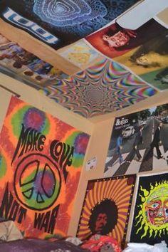 #nastygal #minkpink 70s Bedroom, Hippy Bedroom, Room Ideas Bedroom, Trendy Bedroom, Bedroom Decor, Rock Bedroom, Bedroom Vintage, Cute Room Ideas, Cute Room Decor