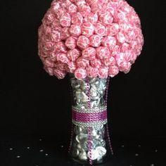 Candy Wedding theme centerpiece or Candy Buffet item Candy Boquets, Candy Bar Bouquet, Liquor Bouquet, Lollipop Bouquet, Diy Bouquet, Bouquets, Candy Arrangements, Candy Centerpieces, Lollipop Centerpiece