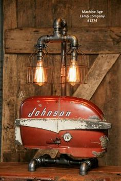 Give Your Rooms Some Spark With These Easy Vintage Industrial Furniture and Design Tips Do you love vintage industrial design and wish that you could turn your home-decorating visions into gorgeous reality? Lampe Tube, Modern Industrial Furniture, Industrial Decorating, Pipe Lighting, Custom Lighting, Steampunk Lamp, Steampunk Interior, Pipe Lamp, Bedside Lamp