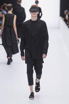 Y3-spring-summer-2017-paris-fashion-week-09
