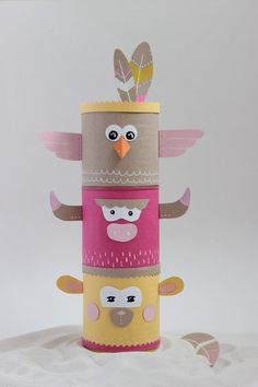 Créer un totem indien coloré et recyclé Kids Crafts, Diy And Crafts, Craft Projects, Arts And Crafts, Toilet Roll Craft, Toilet Paper Roll Crafts, Paper Crafts, Indian Birthday Parties, Diy For Kids