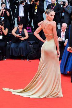 at opening ceremony of the Venice Film Festival 2019 – Candice Swanepoel Super Babe Victorias Secret Models, Victoria Secret, Tight Dresses, Formal Dresses, Waist Cincher Corset, African Models, Lingerie Dress, Glamour, Candice Swanepoel