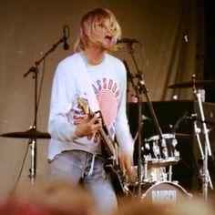 Kurt Cobain ~ Nirvana Kurt Cobain Photos, Nirvana Kurt Cobain, Music Images, My Images, Kurt Cobin, Donald Cobain, Tortured Soul, Dave Grohl, Most Handsome Men