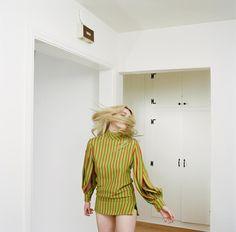 """Mi piace"": 1,014, commenti: 10 - Autumn de Wilde (@autumndewilde) su Instagram: ""More from my @skyferreira cover story in @lofficielitalia // styling @shirleykurata makeup…"""