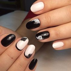 Accurate nails, Black and white nail ideas, Black background nails, Business nails, Glossy nails, Nail designs with pattern, Nails for business lady, Natural nails