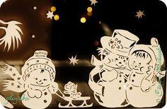 Картина панно рисунок Новый год Вырезание Новогодние окна   Бумага фото 5 Christmas Paper Crafts, Christmas Decorations, Christmas Ornaments, Kirigami, Paper Cutting, Laser Cutter Ideas, Wood Carving Patterns, Scroll Saw Patterns, Decorative Tile