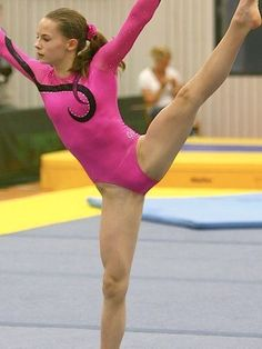 Gymnastics Pictures, Olympic Athletes, Olympics, Outdoor Decor, Girls, Sports, Skater Girls, Toddler Girls, Hs Sports