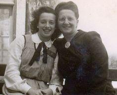 Maria Antónia Luna Andermatt era filha de Maria João Luna Andermatt, professora de caligrafia no Instituto de Odivelas, uma das fundadoras, em 1919 da AAAIO, a associação feminina mais antiga de Portugal.