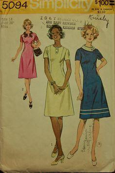 1970s Dress Front Seam Interest Simplicity Pattern 5094