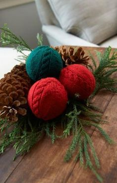 Cabled Holiday Balls Free Knitting Pattern from Red Heart Yarns