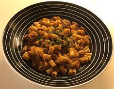 Κοτόπουλο στήθος στον φούρνο με μακαρονάκι κοφτό…από την Αλεξάνδρα Σουλαδάκη http://www.donna.gr/17221/kotopoulo-stithos-ston-fourno-me-makaronaki-kofto-apo-tin-alexandra-souladaki/  Ένα πολύ νόστιμο και ελαφρύ φαγητό είναι και αυτό που θα φτιάξουμε σήμερα, την συνταγή μου την έδωσε η κόρη μου η Μαρία, που τ�