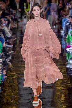 Défilé Stella McCartney prêt-à-porter femme automne-hiver 2018-2019 Femme
