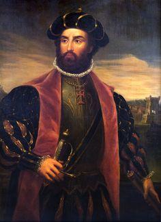 VASCO DA GAMA. Da Gama is tussen 1460-1469 in het dorpje Sines in Portugal geboren.  Hij was een ontdekkingsreiziger en de leider van de eerste expeditie (zeereis) van Portugal naar India. Op deze expeditie voer hij langs de Portugese handelsposten langs de westkust van Afrika en heeft hij de om het zuidelijkste deel Afrika heen gevaren en de weg naar India ontdekt. Op 24 december 1524 is hij gestorven in Kochi in India.