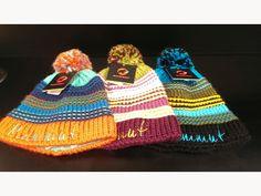 表地にはウール×アクリル。裏地はフリース素材になっている保温性も高く、被り心地のいいニット帽です。男女問わず被って頂ける配色となっております。/Sally Beanie(MAMMUT)¥4,410- /MAMMUT STORE 金沢店 TEL: 076-262-1108/Tatemachi Christmas Collection