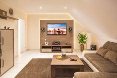 Ein Heimkino ist der Traum jedes Film-Fans. Doch auch jedes Wohnzimmer kann zu einem kleinen Heimkino werden, wenn es richtig eingerichtet wird.