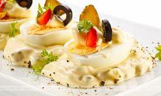 Jajka w sosie majonezowym z dodatkami