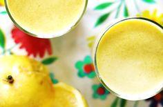 Baby smoothy  1 grote mango  sap van 4 kleine paarse passievruchten of 2 gele passievruchten  200 ml kokosmelk  100 ml yoghurt