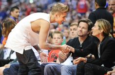 Video: Justin Bieber Goes To The Clippers Game With Pattie Mallette In Los Angeles