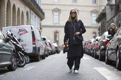 Pin for Later: Diese Jeansjacken sind der beste Begleiter im Sommer Street Style: Oversize Jeansjacken