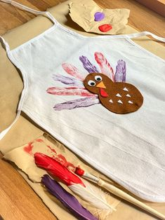3 Adorable DIY Thanksgiving Aprons for Kids | Fun365