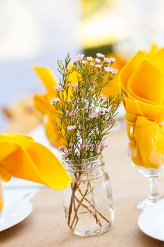 Simple, sweet and easy wedding centerpiece