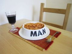"""[[]] i'm frickin' dying [[]] The Man Bowl is the perfect mens gift idea. This bowl is styled like a traditional dog bowl but instead of saying """"dog"""" it says """"man"""". It's the perfect gift for any man with the apetite or manners of a beast. Funny Gifts For Men, Gifts For Him, Man Gifts, Funny Gifts For Friends, Your Boyfriend, Boyfriend Gifts, Lord Byron, Cool Gifts, Dog Bowls"""