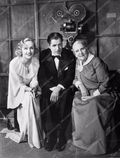 photo candid Carole Lombard Warner Baxter behind the scenes 74-20