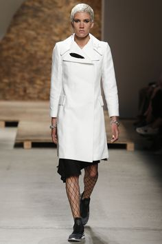 Creatures of the Wind Spring 2016 Ready-to-Wear Fashion Show - Samantha Bondurant