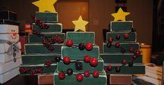 Under My Umbrella also made these adorable Christmas trees, so I just had to make some. This is how they turned out: This is the craft my ...