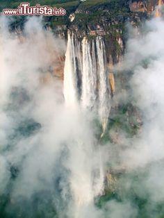 Cascate Salto Angel (Angel Falls), Canaima, Venezuela ...