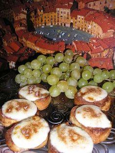Pan Unto - Crostini with cheese Italian antipasto from the sixteenth century