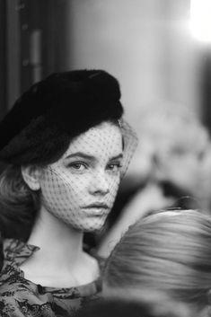 Black and White Photography Portrait of Barbara Palvin Barbara Palvin, Look Vintage, Vintage Glam, Vintage Hats, Vintage Chanel, Vintage Beauty, Moda Fashion, Parisian Style, Parisian Makeup