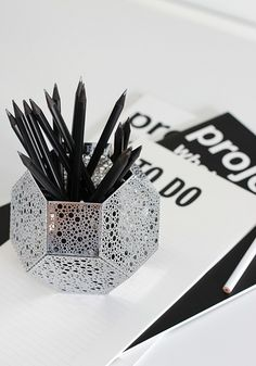 etch candle holder as a pencil holder | nordic leaves