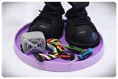 Fofucha Técnico Informático con uniforme de empresa, converse negras, cinturón friki de teclado, maletín Makita, fuente de alimentación, destornilladores y móvil con triviados! http://www.xeitosas.com/