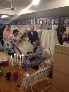 #happy #bride #friends #weddingdress #zaandam #WomenWants
