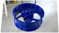 mise-en-peinture-jante-bleue-electrique-La-rochelle.jpg (800×448)