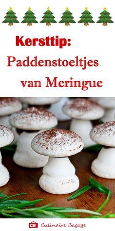 Deze grappige paddenstoeltjes van meringue (schuimpjes) zien er uit alsof het echte paddenstoeltjes zijn. Heerlijk voor na je kerstdiner of als verrassing tijdens de kerstbrunch! #meringuepaddenstoeltjes #meringue #schuimpjes #paddenstoeltjes #bakkenvoorkinderen #hhb #culinairebagage #champignons #kerst #kerstrecept #kerstdiner #kerstgebak #gebak #kerstmenu #kerstbrunch #kokenvoorkinderen #bakkenvoorkerst #eiwitschuimpjes #schuimpaddenstoeltjes