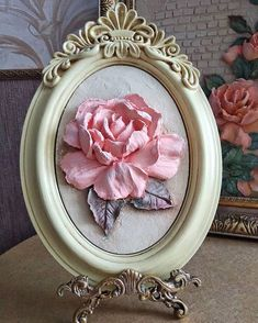 Art Projects, Projects To Try, Sculpture Painting, Floral Flowers, Sculpting, Decoupage, Decorative Plates, Clay, Craft Patterns